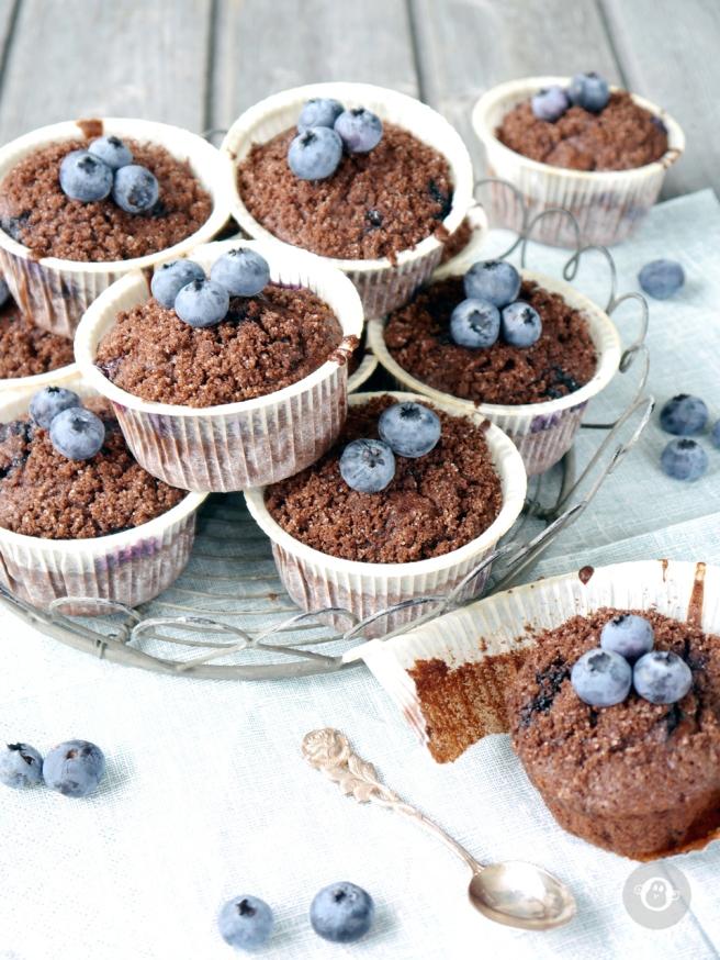 julzalicious_cakes-blaubeer-schoko-muffins4