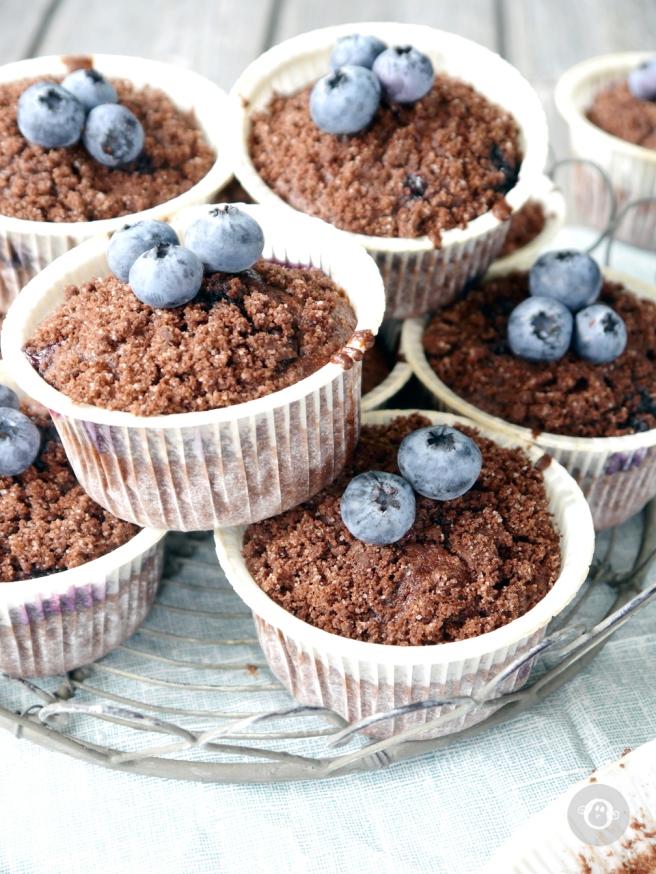 julzalicious_cakes-blaubeer-schoko-muffins5