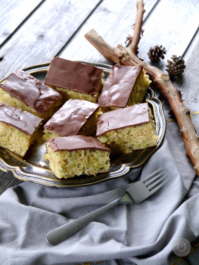julzalicious-cakes_zucchinikuchen3